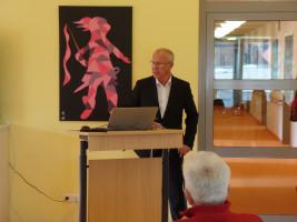 Kaspar Pfister bei seiner Präsentation