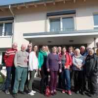 Unsere Besuchergruppe mit Gastgeber Kaspar Pfister